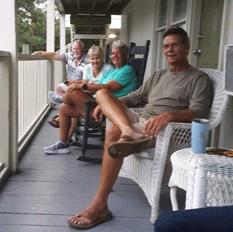 floyds-porch